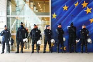 """Мнение: """"Европейцам необходимо менять подходы к профилактике терроризма"""""""