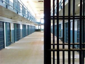 США: 71 год тюрьмы грозит мужчине, стрелявшему в полицейских