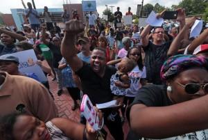 Полицейский из Чикаго не будет осужден за убийство темнокожего парня