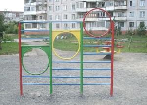 По факту смерти девочки на площадке детского сада Новосибирска открыто уголовное дело