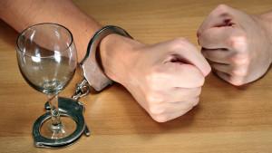 Найдена причина развития зависимостей! Революционный метод лечения алкоголизма и наркомании!
