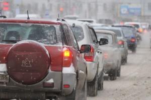 Очередной гололед в Омске парализовал движение и стал причиной массовых аварий