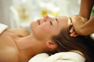 «Мастерская здоровья»: лечебный массаж головы освободит от боли