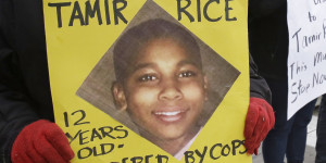 Большое жюри решит судьбу полицейского из Кливленда, застрелившего темнокожего подростка с пневматическим пистолетом