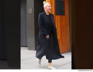 Sia показала свое лицо