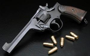США: Пьяный парень случайно выстрелил в женщину в кинотеатре