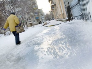 С начала года в Оренбуржье из-за гололеда травмировалось более 3000 человек