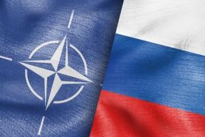 """Мнение: """"Грядет большая война, НАТО хочет оказаться по одну сторону баррикад с РФ"""""""