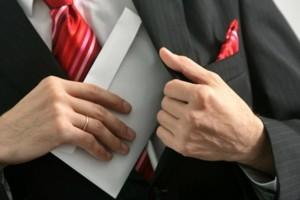 Красноярск: Глава одного из районов игнорирует законодательство о коррупции