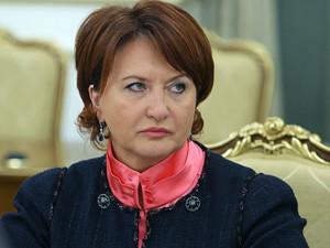 При поддержке Путина в в 2010 Скрынник уговорила супермаркеты закупать продукцию отечественных фермеров