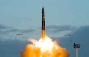 """Мнение: """"Накал противостояния между Пхеньяном и соседями по региону достиг высшей точки"""""""