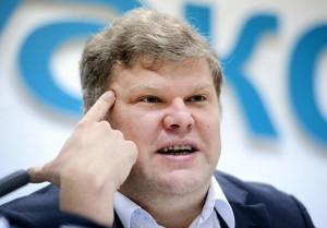 """На сайте партии """"Яблоко"""" появилось официальное сообщение об обращении Сергея Митрохина, члена федерального политического комитета партии, к прокурору РФ и начальнику ФСБ с просьбой возбудить уголовное производство в отношении главы Чечни."""