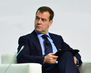 """""""Особенности связи"""" или как Медведев получил доступ к заблокированному сайту Rutracker"""