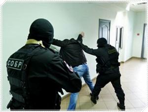 Новосибирск: СОБР штурмовал квартиру, в которой закрылся неадекватный отец с тремя детьми