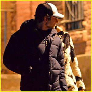Брэдли Купер прогулялся с Ириной Шейк по ночному Нью-Йорку