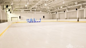 В Ялте открыли первую ледовую арену
