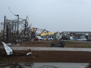 В штатах Луизиане и Миссисипи торнадо убило троих, десятки травмированы
