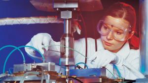 В День российской науки молодые ученые Москвы получили премию