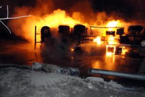 Кража топлива с бензовоза вызвала пожар в Подмосковье