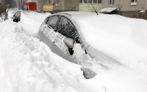 Коммунальщики не справились с весенним снегопадом