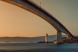 bridge-192986_640