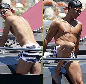 Криштиану Роналду продемонстрировал свое мускулистое тело на отдыхе в Испании