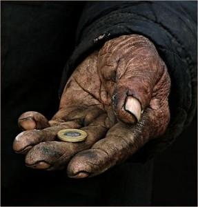 Мнение: В РФ из-за кризиса появилось 5 млн «новых бедных людей»