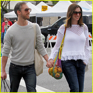 anne-hathaway-celebrates-first-mothers-day-after-giving-birth
