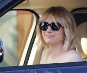 Эмма Робертс снова стала блондинкой