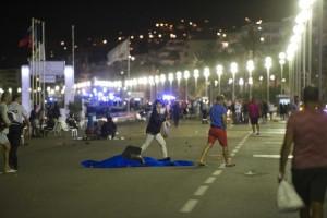 Количество жертв теракта в Ницце растет