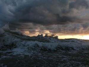 Штормовой ветер и ливни сегодня настигнут СЗФО