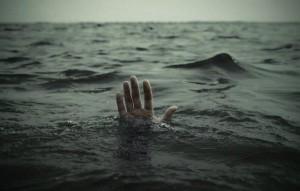 На Байкале мужчина зарезал спасителя тонущей супруги