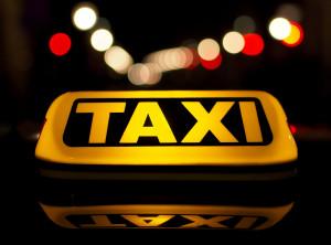Москвичи предпочитают заказывать такси через интернет