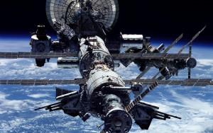 Роскосмос сократит число россиян на МКС
