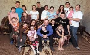 РПЦ: Многодетные семьи обречены на бедность