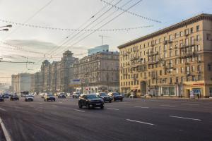 Два автомобиля столкнулись на Кутузовском проспекте в Москве