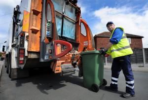 Отдельная строка о вывозе мусора появится в квитанциях россиян