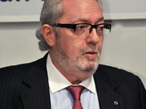 Педро Аграмунт желает возобновить диалог с Россией
