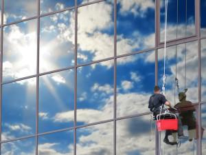 Высотные работы: новая услуга в сфере ремонта