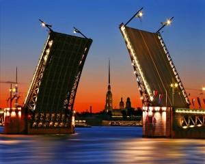 Открыто голосование за лучшую фотографию разводного моста в Петербурге