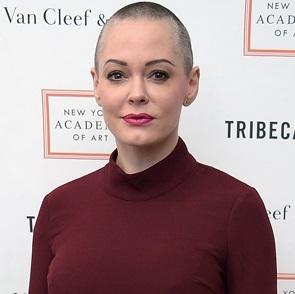 Роуз Макгоуэн пишет открытое письмо в Голливуд после скандального заявления о сексуальном насилии