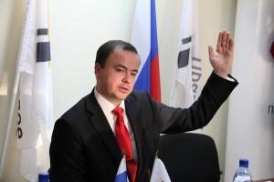 Андрей Дунаев получил удостоверение внештатного инспектора Госадмтехнадзора