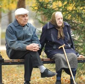 Прожиточный минимум для пенсионеров урежут на 300 рублей