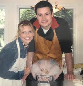 Сара Мишель Геллар проводит День благодарения с мужем Фредди Принцем-младшим