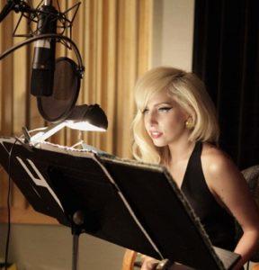 Леди Гага возвращается в студию и может анонсировать дату тура