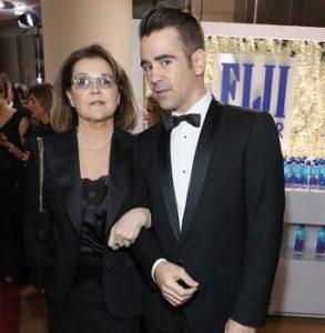 Колин Фаррелл пришел со своей мамой на церемонию вручения премии «Золотой глобус 2017»