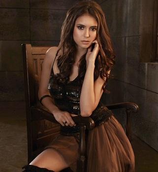 Нина Добрев застенчиво говорит о своем вероятном возвращении в «Дневники вампира»